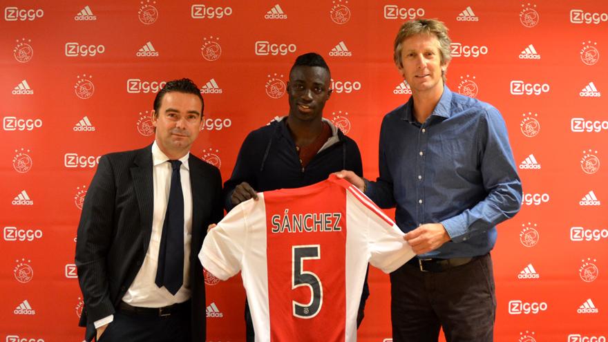 Ook Colombiaan Sánchez tekent bij Ajax