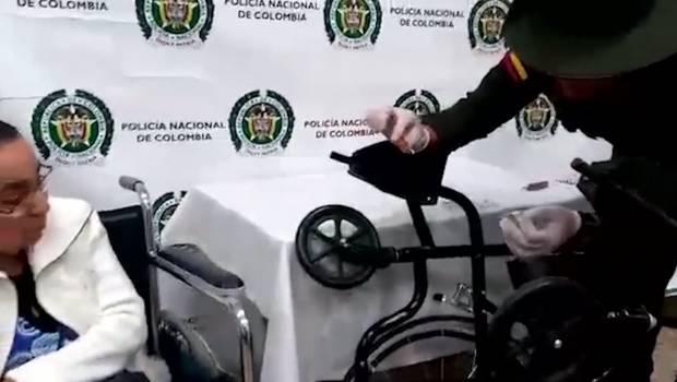 81-jarige smokkelt coke in rolstoel